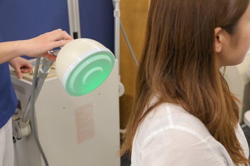 久喜整骨院での電気治療の様子