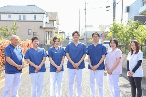 久喜整骨院のスタッフ集合の写真